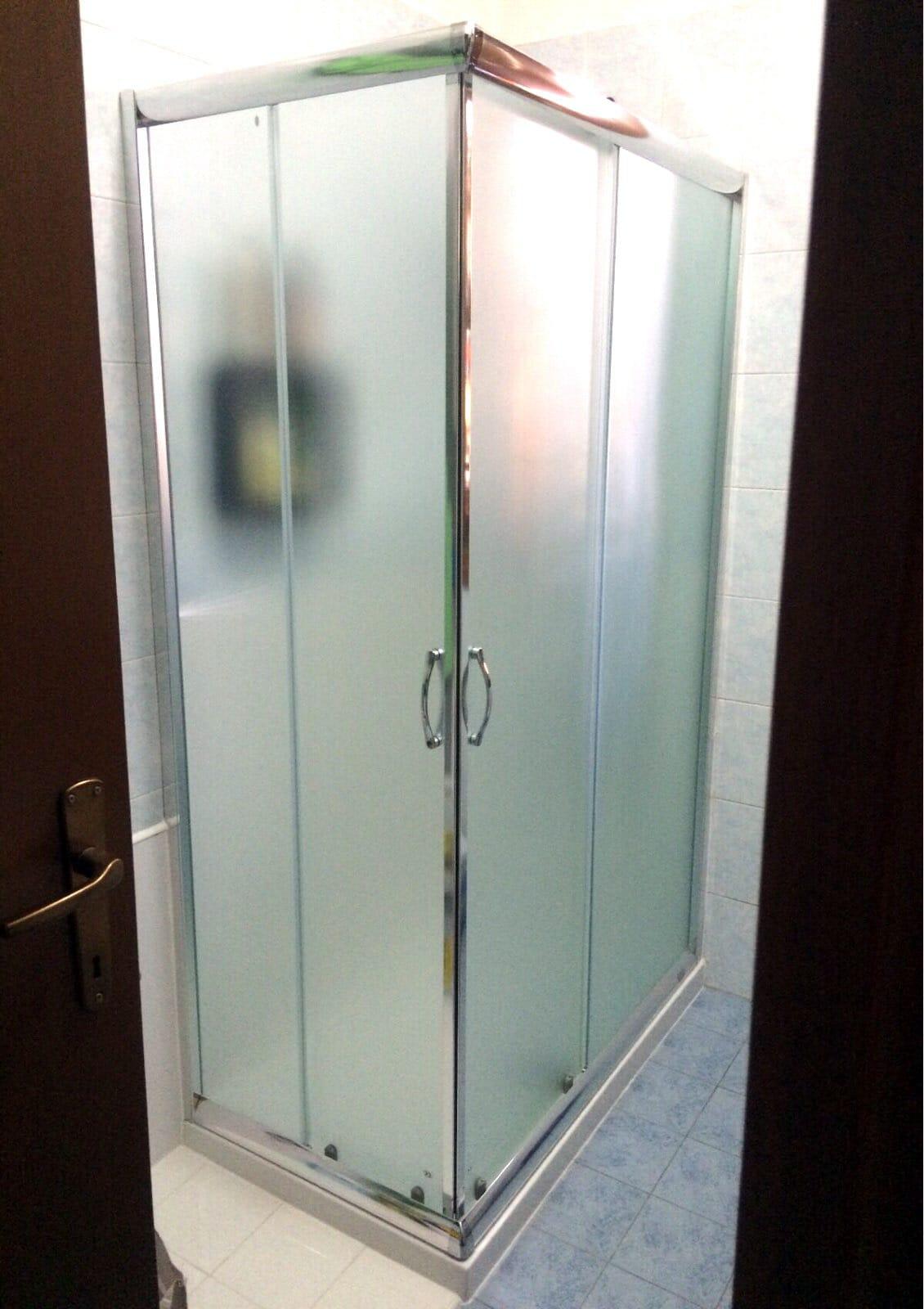 Accessori Bagno Detrazione 50 : Italia docce foto trasformazione vasca in doccia