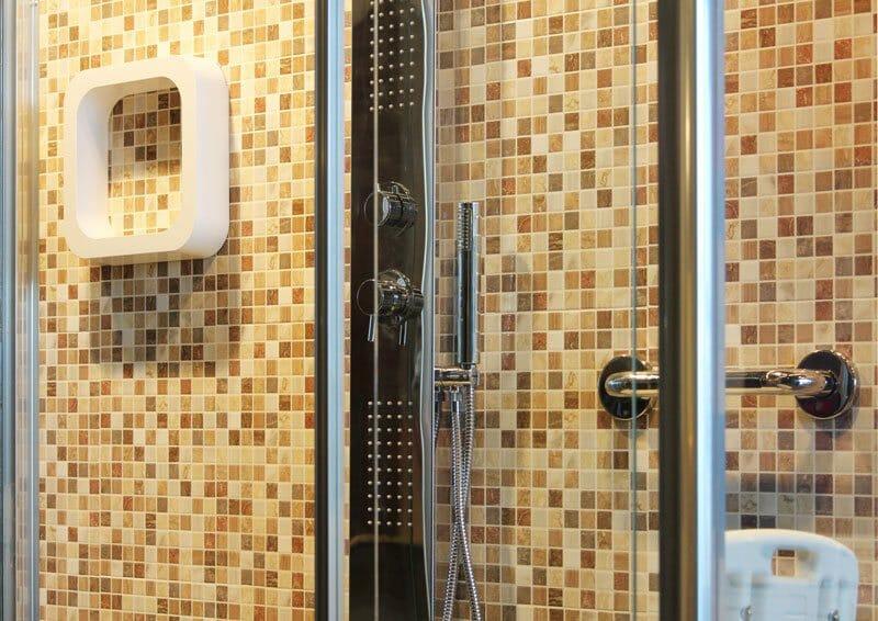 Sostituzione vasca con doccia italia docce & bagni